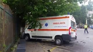 O ambulanţă, implicată într-un accident în zona Sabroso! (III)