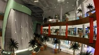 Dubai Mall's Waterfall