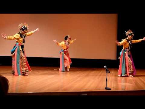 traditional indonesian dance - ngarojeng