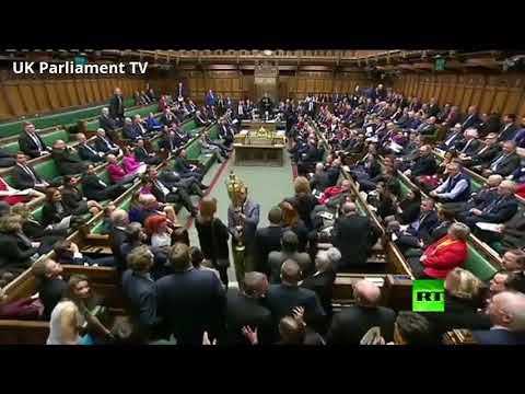 شاهد.. برلماني بريطاني -يسرق- صولجانا ذهبيا من مجلس العموم وضح النهار  - نشر قبل 9 ساعة