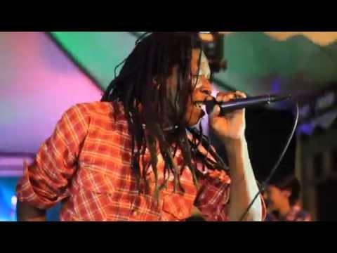 El Chocho - Charles King Ft. Lisa Reggae