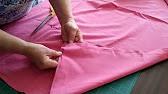 Из искусственного лебяжьего пуха. Гипоаллергенное одеяло из искусственного лебяжьего пуха лучше всего подойдет аллергикам и маленьким детям. Такое одеяло не будет давить на ребенка своим весом, а согреет ничуть не хуже шерстяного. Одеяло из искусственного лебяжьего пуха не нужно взбивать,