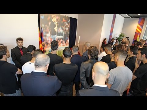 FC Barcelona first team squad pay homage to Tito Vilanova