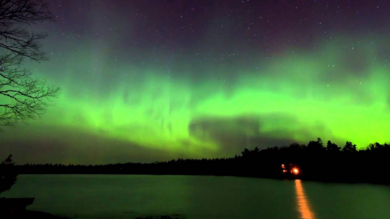 Free Hd Wallpaper Fall Aurora Borealis Over Copper Harbor Cabins Youtube