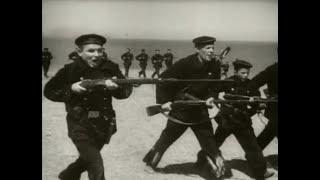 1.Мы из Кронштадта. Атака красных моряков