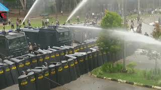 Demo di Kantor Gubernur Sultra, Polisi Dihujani Batu Oleh Masa Aksi