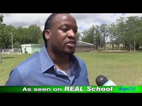 Uche Nwaneri Visits Kings Trail Elementary