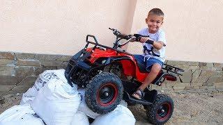 Дима собрал новый квадроцикл и устроил тест драйв | Дима и Машинки