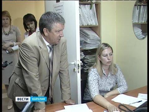 Глава Карелии ознакомился с работой налоговой службы и завёл личный кабинет налогоплательщика