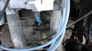 Бендикс прокручивается в стартере, двигатель не заводится.