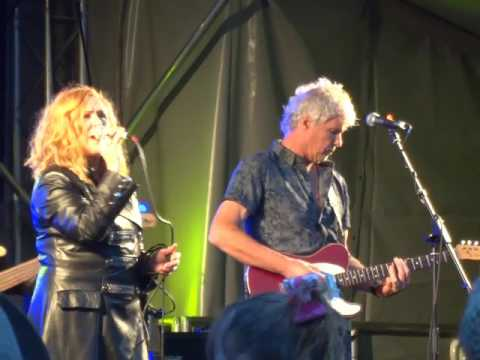 T'Pau - China in your Hands @DarwenLive 29/05/2017