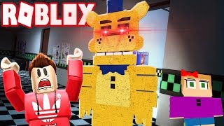 RUN FROM THE GIANT EVIL GOLDEN FREDDY! (Roblox Adventures)