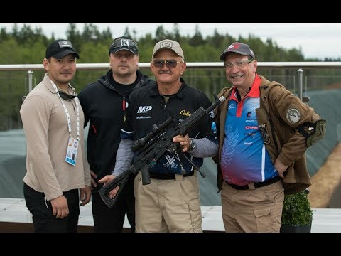 """""""The greatest shooter of all time"""" from USA at """"Kalashnikov"""" shooting club"""
