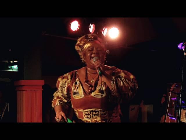 Marlène Waal  - Sranan Gowtu - bij Club Trio Bier