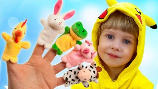 Kirill playing with Mom and Finger Animals for Finger Family Song by iFinger