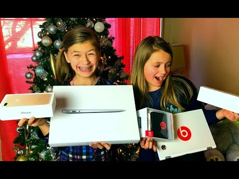 Kids Opening EARLY Christmas Presents ( 2017 Dec 23 )
