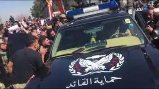 شاهد.. الاعتداء على رئيس الجمهورية العراقي في موقع حادثة العبارة بالموصل