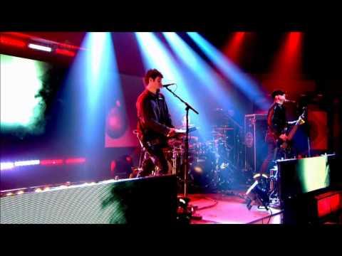 Pendulum - Watercolor (Live) (HD)