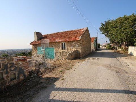 Moradia em Pedra situada junto à Vila da Batalha.%1/1
