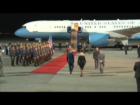 Pamje nga arritja në Aeroportin e Prishtinës e Nënpresidentit Joe Biden 1 16 08 2016 29