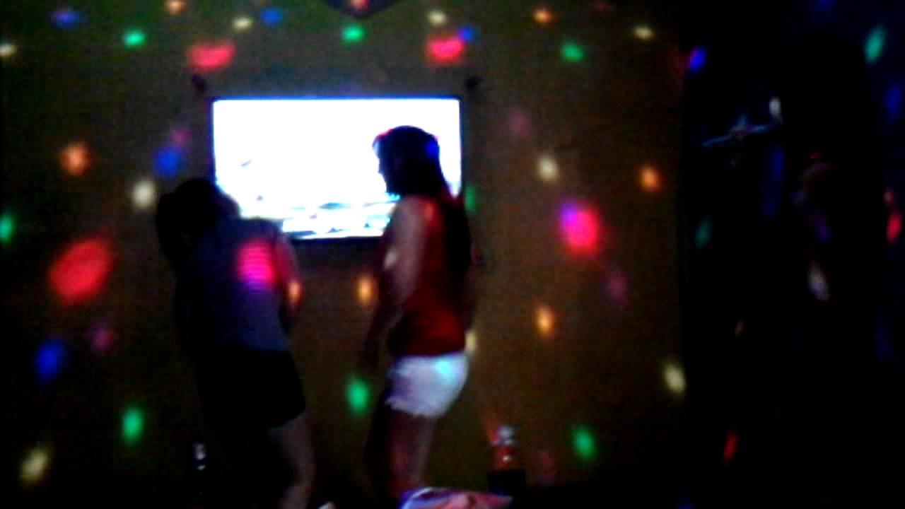 Gái nhảy sex tại karaoke
