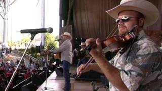 Alan Jackson - Chattahoochee (Live at Farm Aid 2000)
