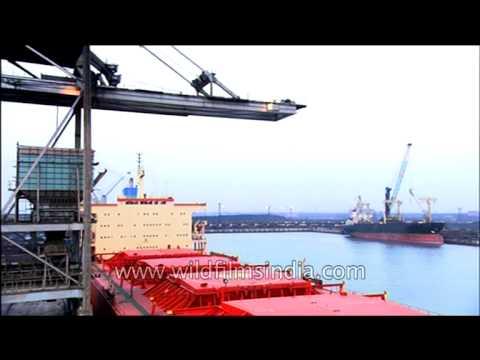 Deck crane lifting heavy consignments at Paradip Port