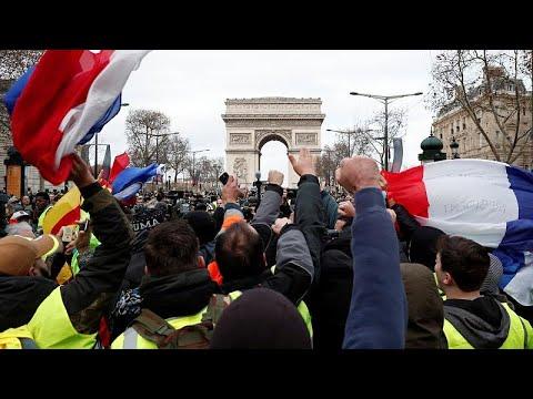"""Protestos dos """"coletes amarelos"""" em Paris"""