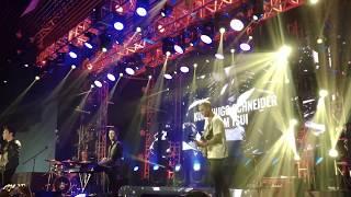 Sam Tsui ft. Kurt Hugo Schneider trình diễn cực sung trên sân khấu YouTube FanFest Vietnam 2017
