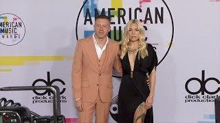 Gambar cover Macklemore and Skylar Grey 2017 American Music Awards Red Carpet
