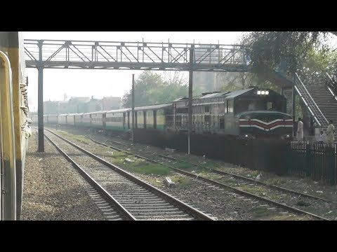Pakistan Railway Train Travel || Train Crossing || Pak Business Express Meet With Khyber Mail