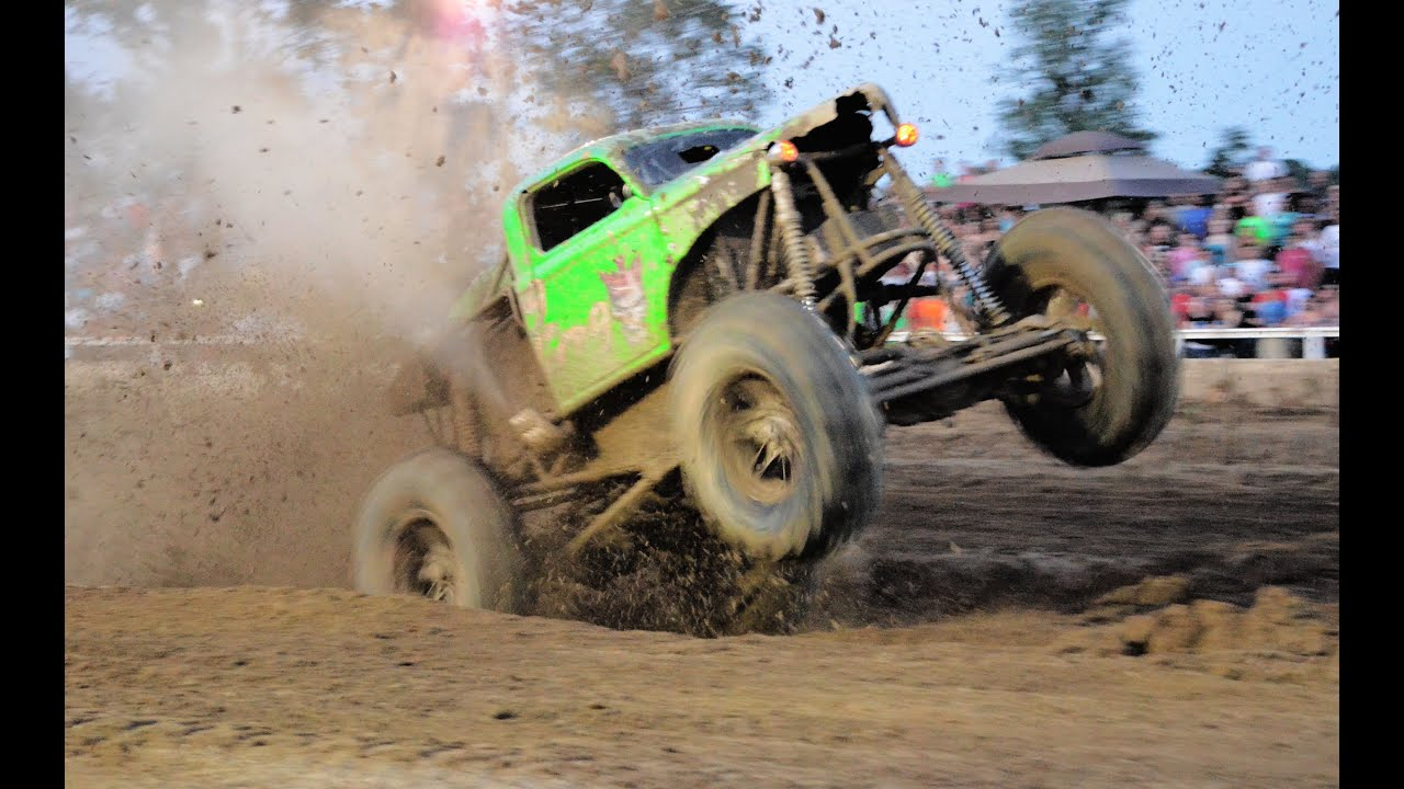Trucks Gone Wild Michigan >> Trucks Gone Wild Dennis Anderson's North Vs South 2012 - YouTube
