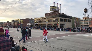 Detroit Thanksgiving Parade (live stream from Canfield)