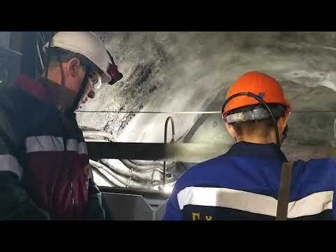 Спуск в шахту Гайского ГОКа на глубину 1075 м