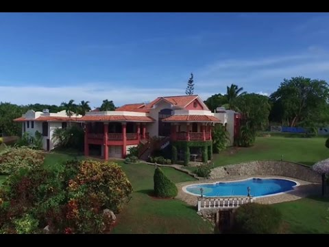 Beautiful hillside residence in popular gated community