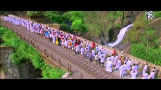 get on the train baby video song chennai express edited