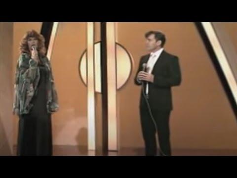 Gerard Joling & Rita Hovink - Laat Me Alleen (Officiële Videoclip)