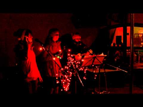 Coupe Fraises: The Christmas Song Song