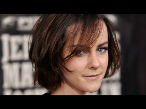 Hunger Games, Sex Spells and Music: Jena Malone on Harper Simon's Talk Show