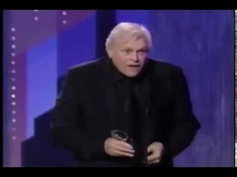 Brian Dennehy wins 2003 Tony Award for Best Actor in a Play