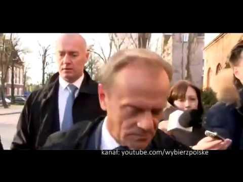 Donald Tusk w drodze na przesłuchanie w prokuraturze (19.04.2017)