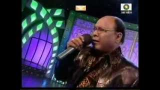 Md  Aziz Ji sings Teri duniya se hoke majboor chala