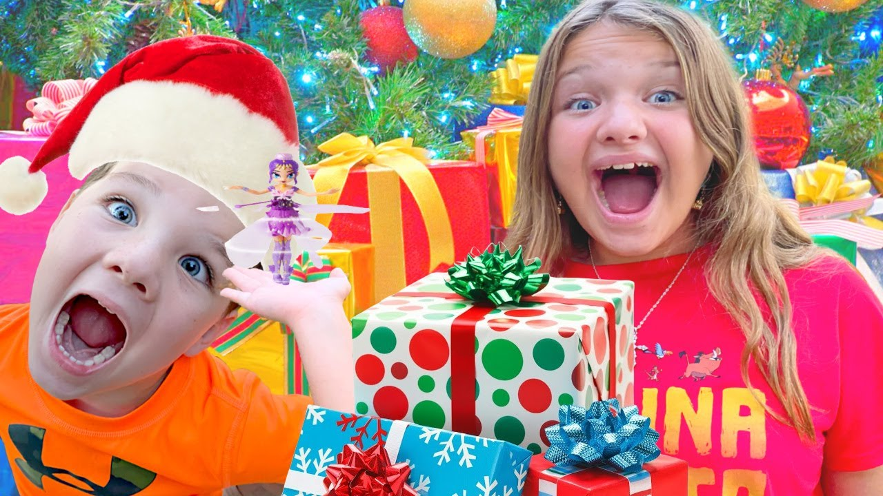 OPENING CHRISTMAS PRESENTS EARLY with AUBREY & CALEB! WHATS IN THE BOX?