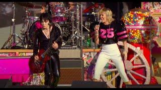 Miley Cyrus & Joan Jett - (Live at the SuperBowl #TiktokTailgate)
