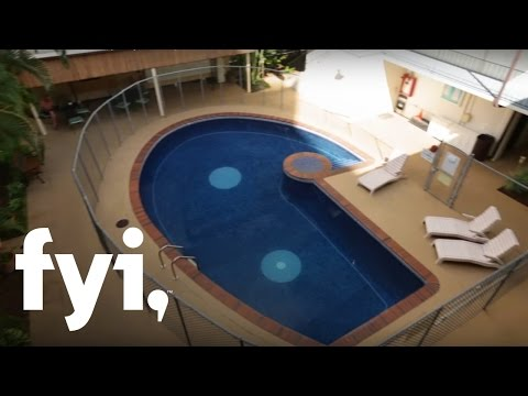 Tiny House Hunting: Tiny Layover Spot in Honolulu | FYI