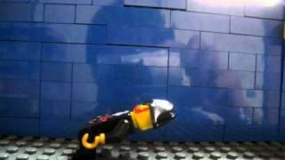 レゴパイレーツのシリーズの赤ひげ船長がダンスをしています。
