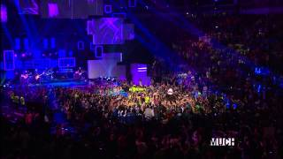 Video Avril Lavigne - Here's To Never Growing Up (Live In We Day 2013) HD download MP3, 3GP, MP4, WEBM, AVI, FLV Juli 2018