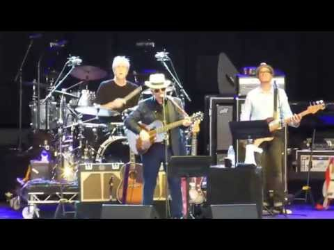 Elvis Costello & The Imposters - Sweet Dreams [Don Gibson cover] (Houston 07.18.15) HD