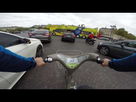 Bicycling the Arc de Triomphe
