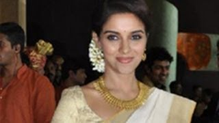 Is Asin in love and getting married? | Gossip Girl | IndiaGlitz